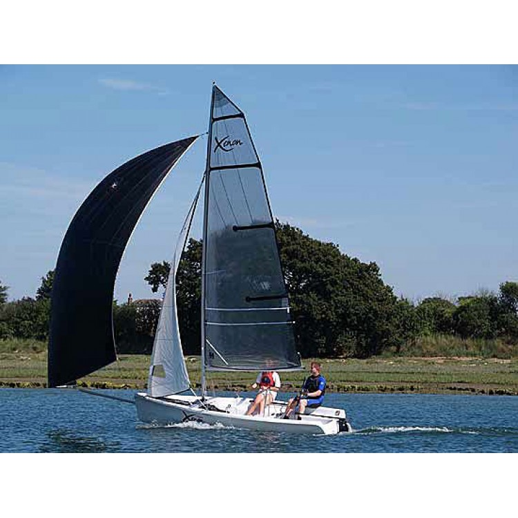Ветроходна лодка Topaz Xenon